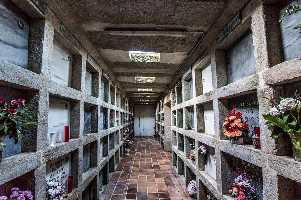 que-ver-cuntis-cementerio-subterraneo-arcos-de-furcos